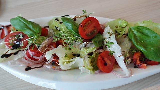 salad-709744_640