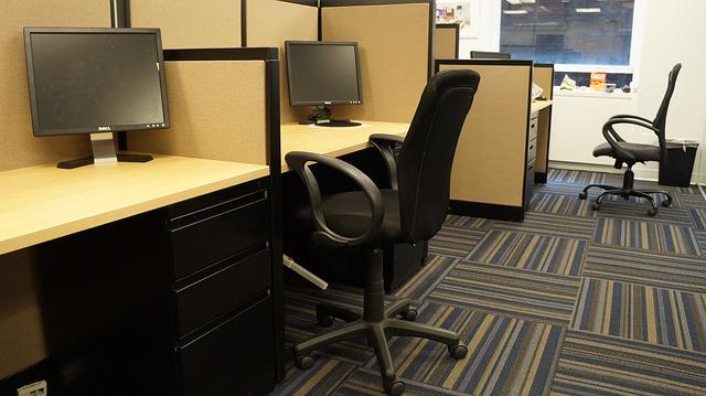 4-chair-75562_640